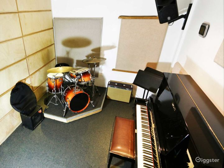 Music Studio for Trios and Quartets in NY Photo 4