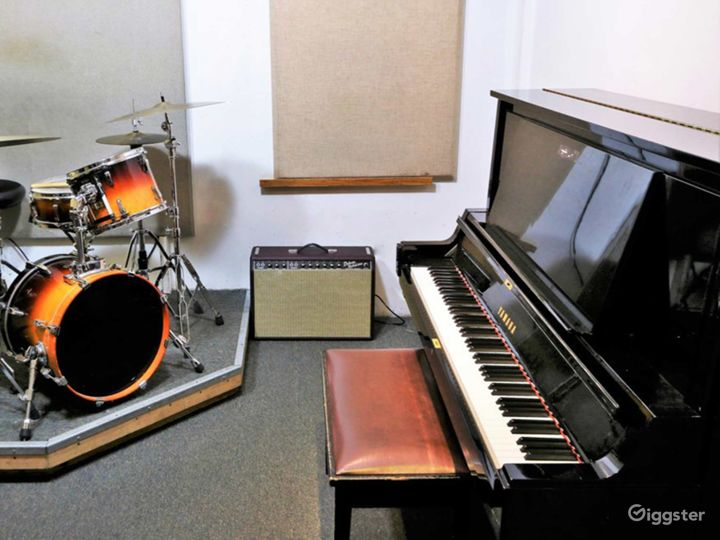 Music Studio for Trios and Quartets in NY Photo 2