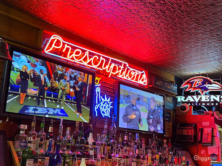 Contemporary Bar in Baltimore, Maryland with Largest Beer Selection Photo 3
