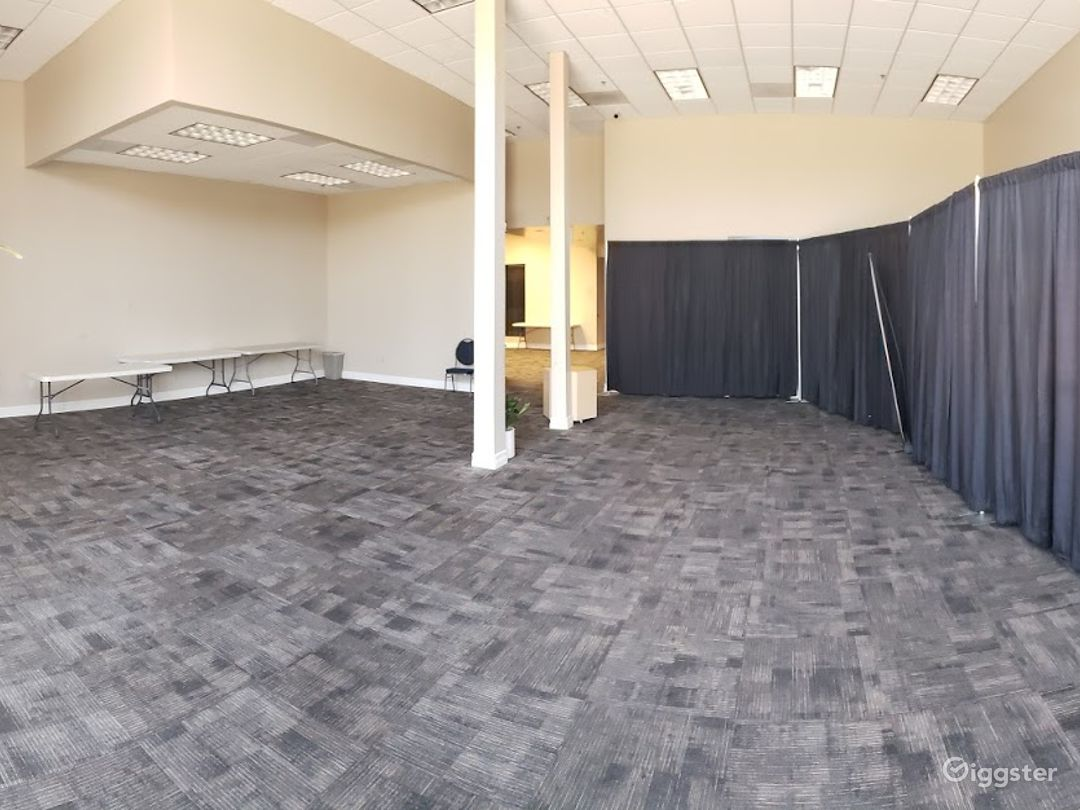 Business Expo Center - Universal Wing Photo 3