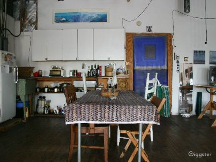 Bohemian artists loft: Location 4079 Photo 4