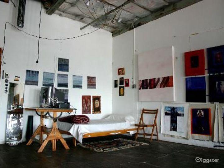 Bohemian artists loft: Location 4079 Photo 2