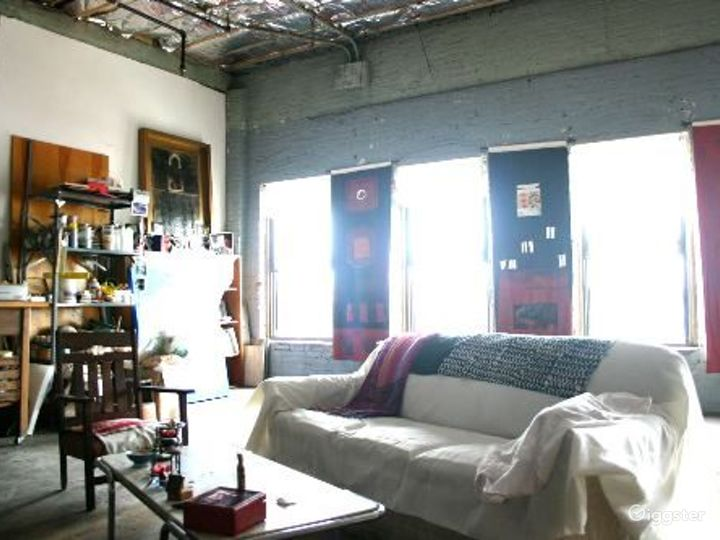 Bohemian artists loft: Location 4079 Photo 3