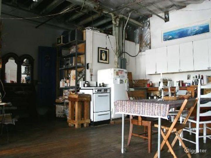 Bohemian artists loft: Location 4079 Photo 5