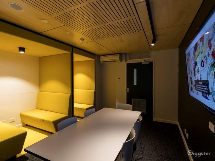 Modern Tutorial Rooms in Newtown Photo 3