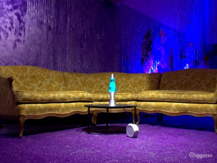 Psychedelic Purple Photo Studio w/ Poolside Mural Photo 4