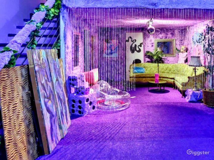 Psychedelic Purple Photo Studio w/ Poolside Mural Photo 2