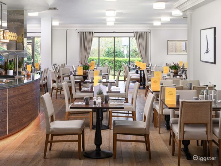 Inviting Bar & Restaurant in Oxford Photo 2