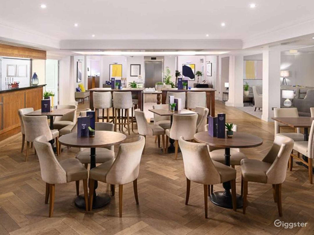 Inviting Bar & Restaurant in Oxford Photo 1