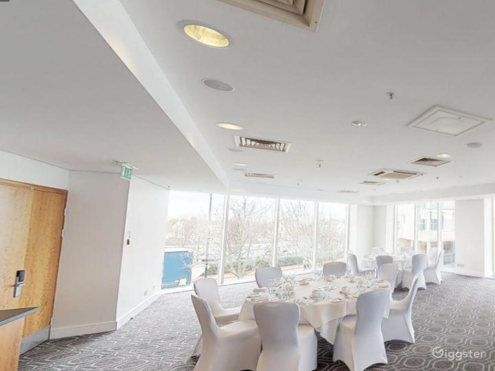 Bright Roald Suite in Cardiff Photo 3