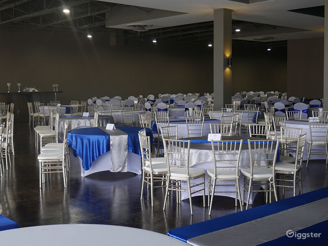 Tuxedo Ballroom corporate dinners, galas and fundraisers accommodate  up to 350 people