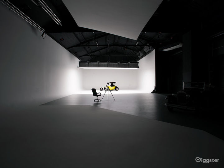 Stage B+C with lightbank and flying flat