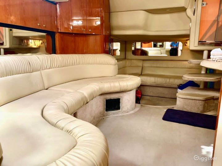 Elegant 40FT Sea Ray Duffy's Party Yacht Space Events Photo 2