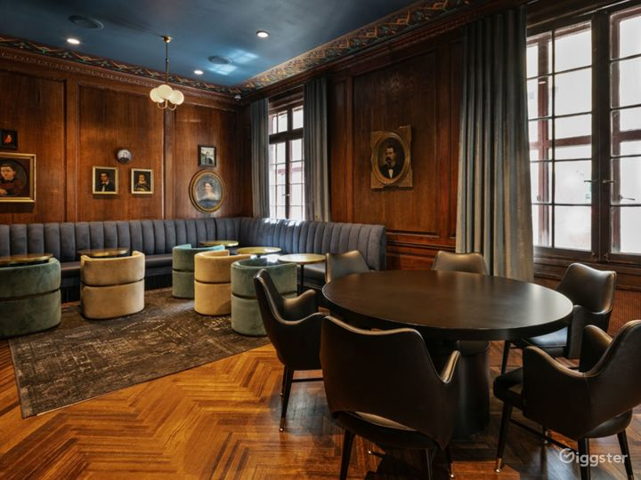 Speakeasy lounge