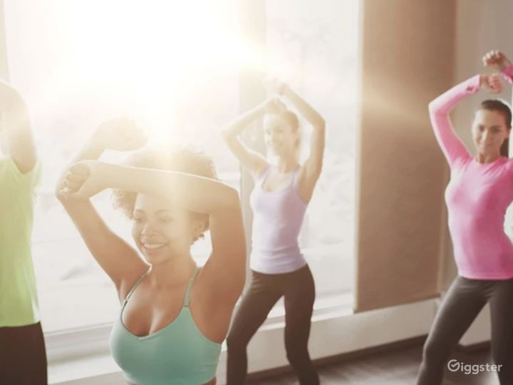 Dance & Fitness Studio with Rooftop Access & Panoramic City View Photo 2