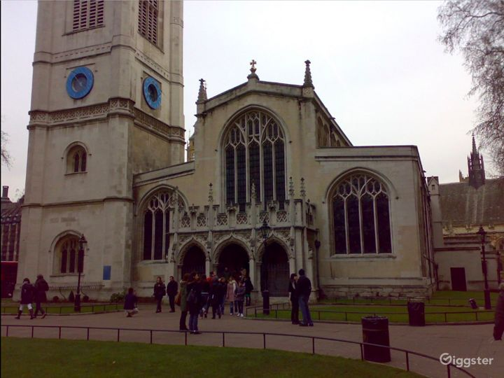 Vintage Chapel in London Photo 5