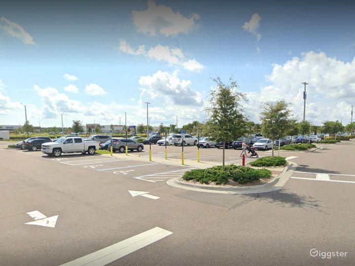 A Huge Parking Space in Daytona Beach Photo 4
