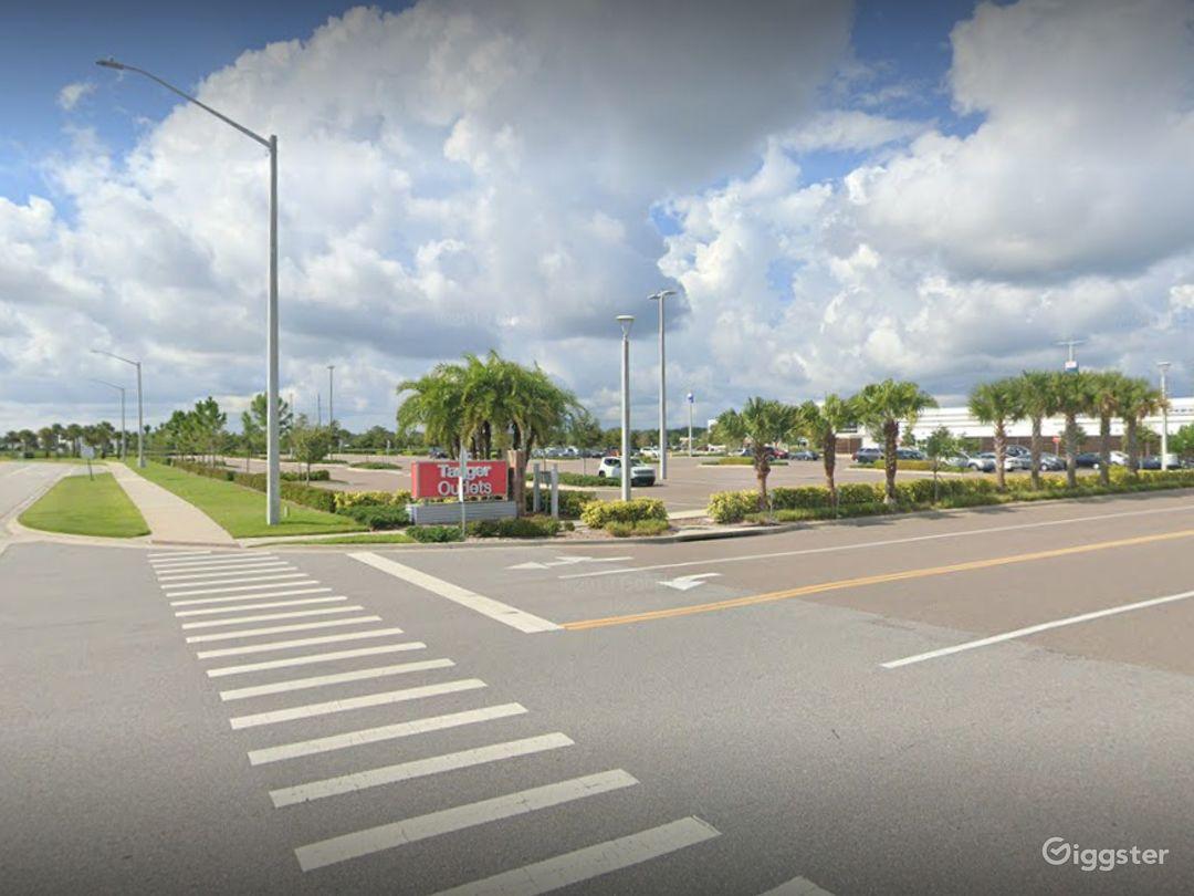 A Huge Parking Space in Daytona Beach Photo 1