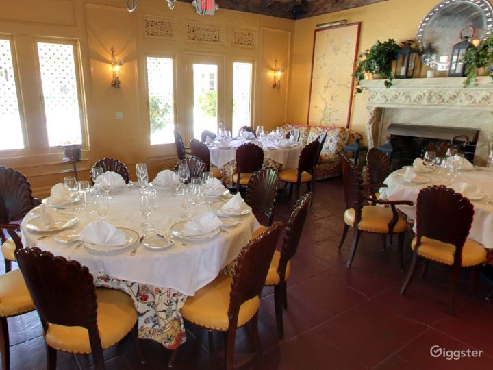 Warm and Cozy Private Dining Space in Palm Beach Photo 2