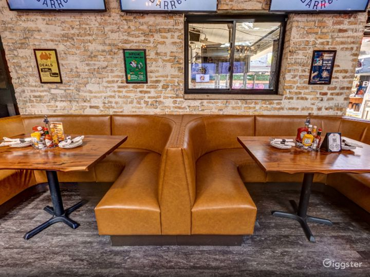 Pleasant and Cozy Location in Chicago  (Back Bar)Back bar)  Photo 2