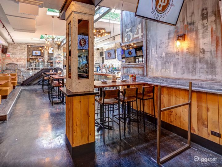 Pleasant and Cozy Location in Chicago  (Back Bar)Back bar)  Photo 4