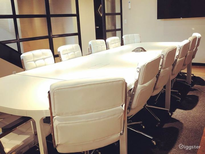 Conference Room B Photo 2