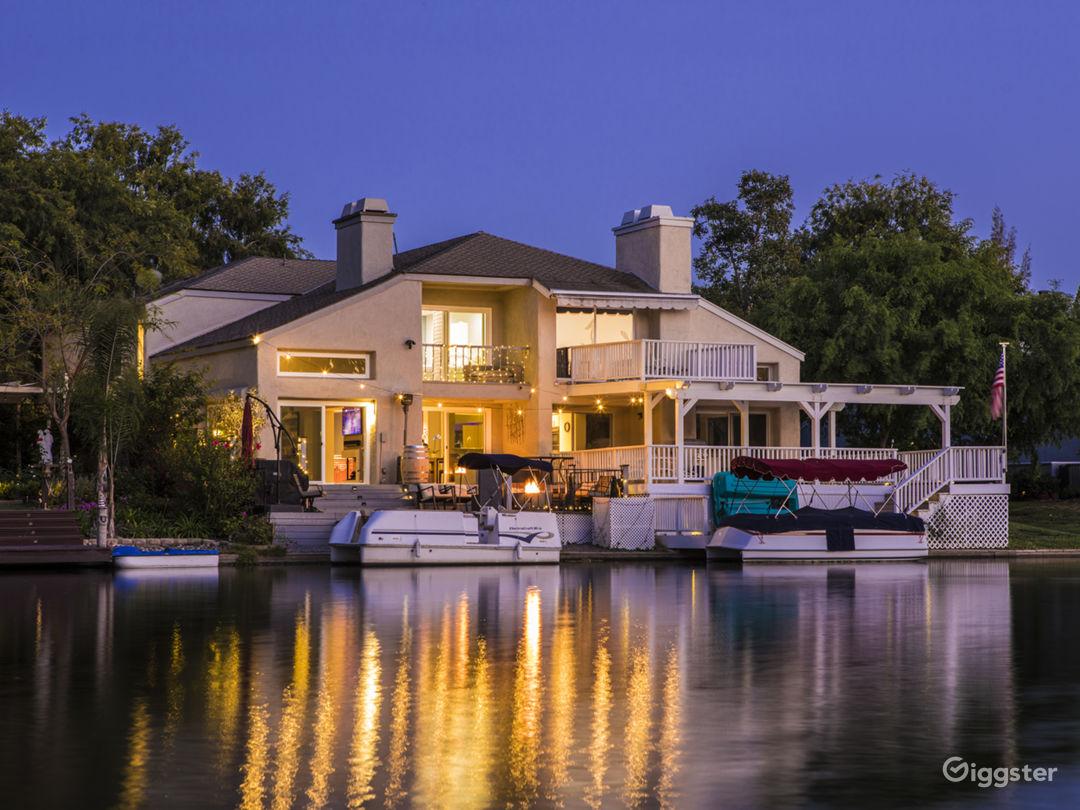 Lake house in OC Photo 1