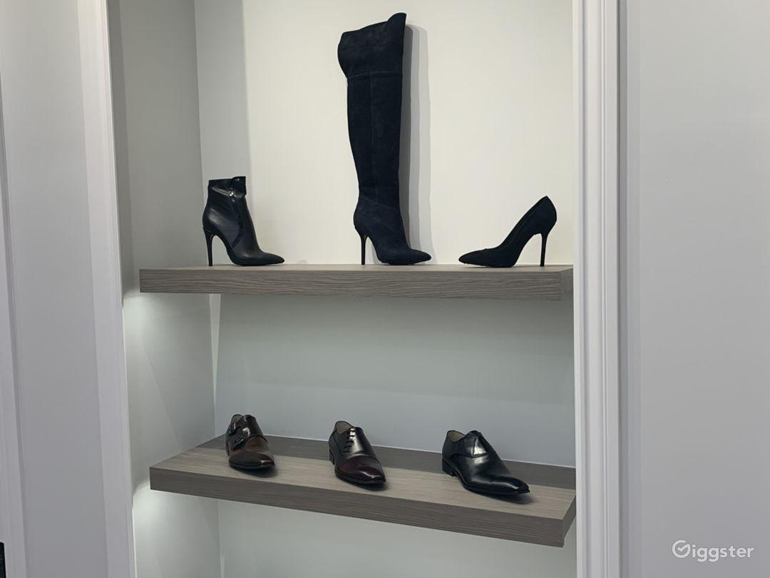 Luxury Footwear Showroom/Boutique Photo 5
