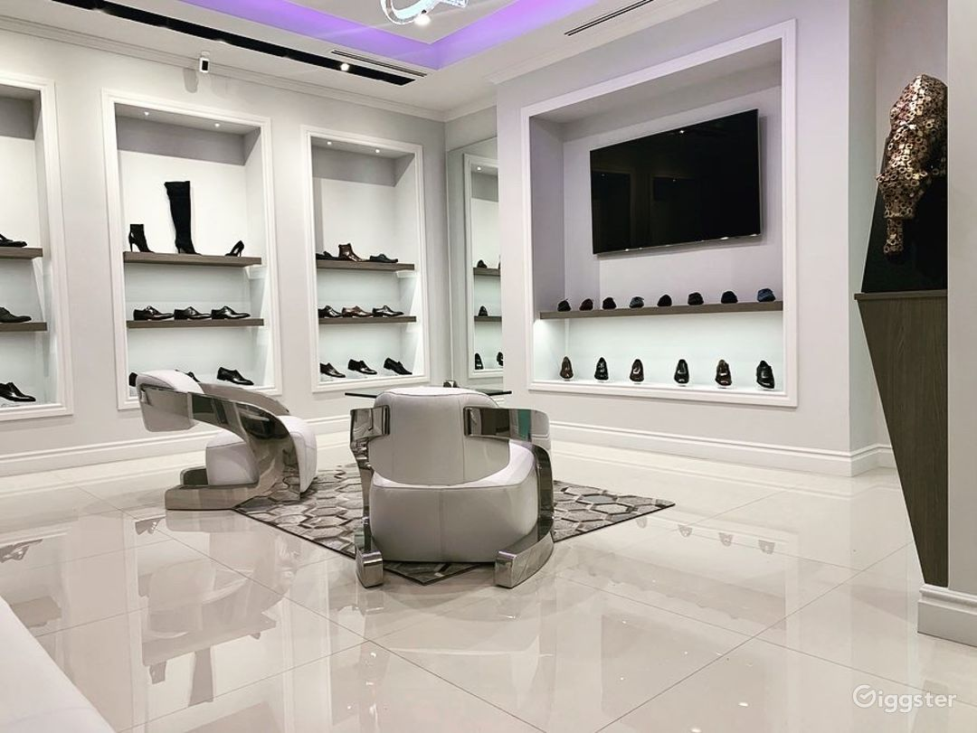 Luxury Footwear Showroom/Boutique Photo 3