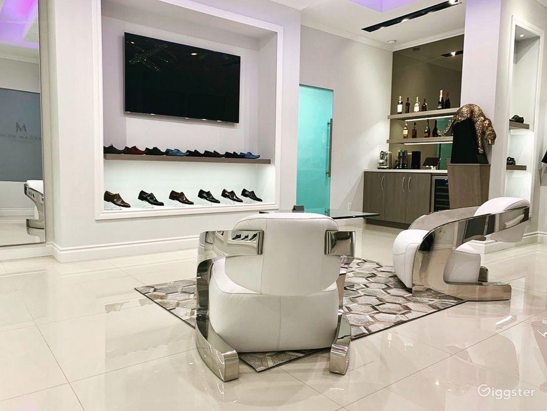 Luxury Footwear Showroom/Boutique Photo 4