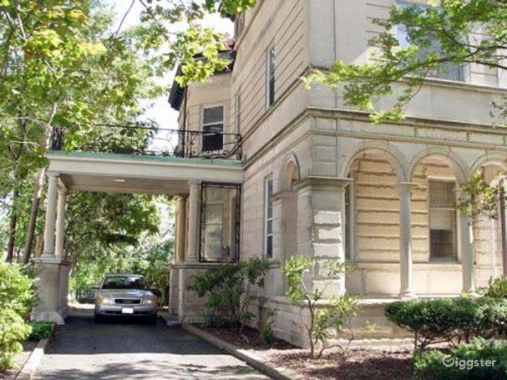 Large period mansion: Location 3299 Photo 4