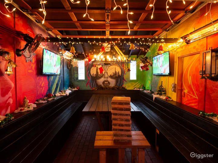 Attractive and Unusual Mezzanine in Chicago (Mezzanine Area) Photo 4
