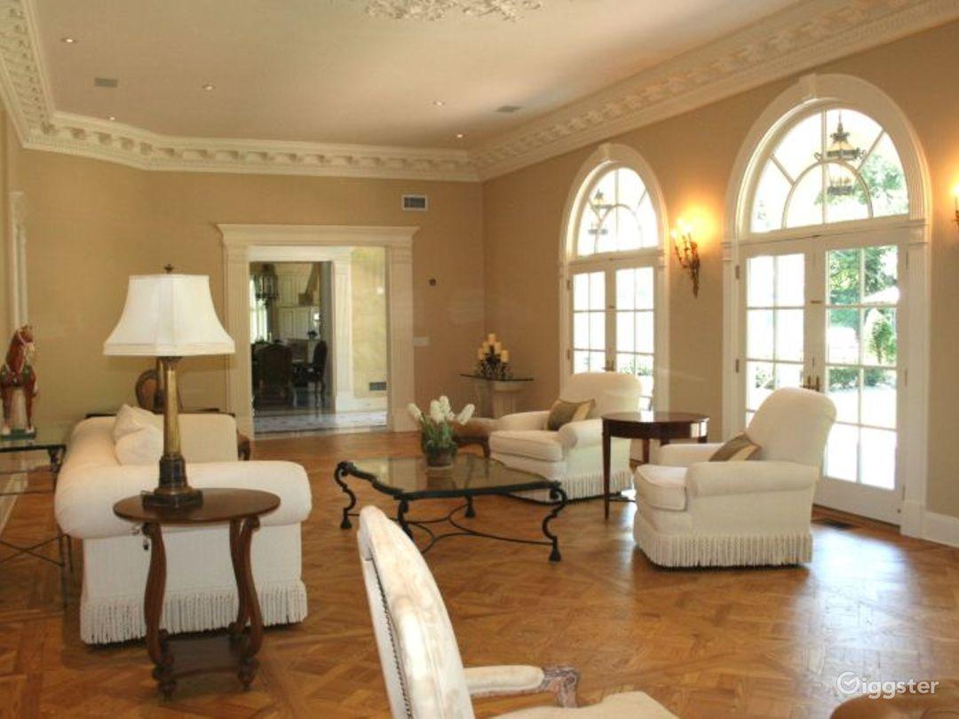 Villa style mansion: Location 5009 Photo 1