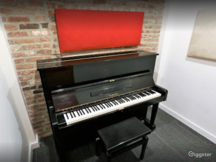 Compact Studio in NY Photo 4