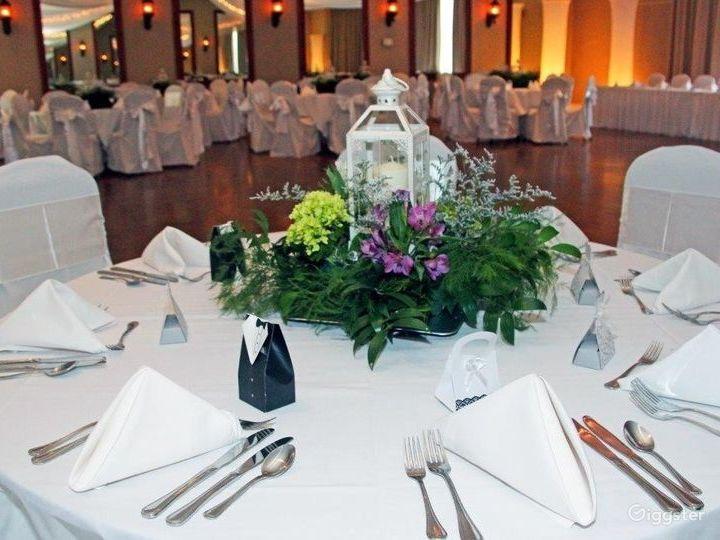 Spacious Ballroom event space at Charlotte NC Photo 2