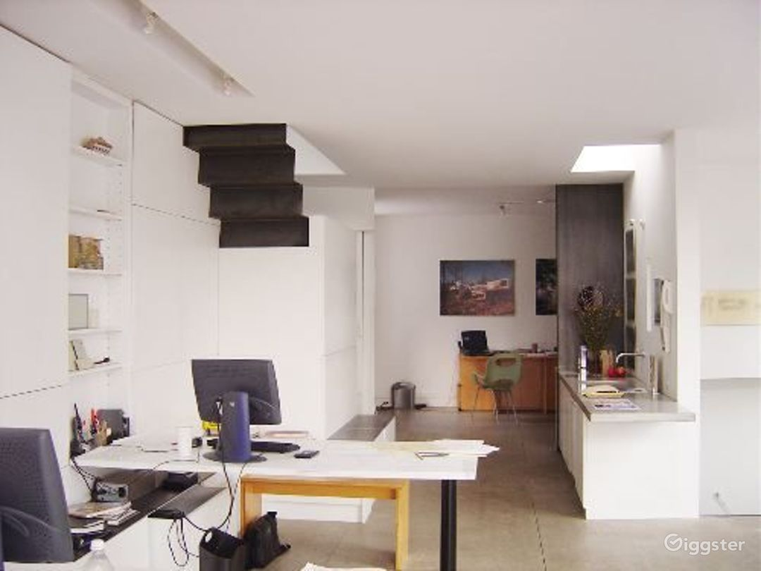 Upscale architects office: Location 2948 Photo 1