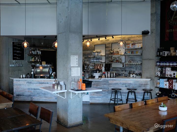 Spacious Modern Coffee Shop  Photo 2
