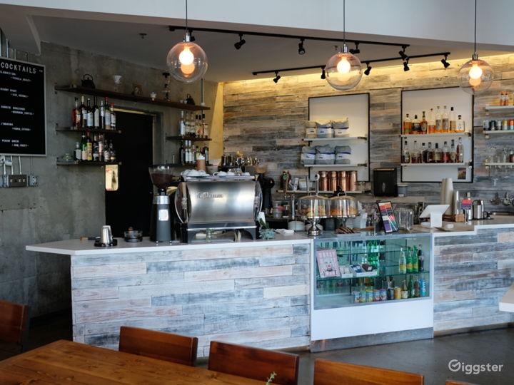 Spacious Modern Coffee Shop  Photo 3
