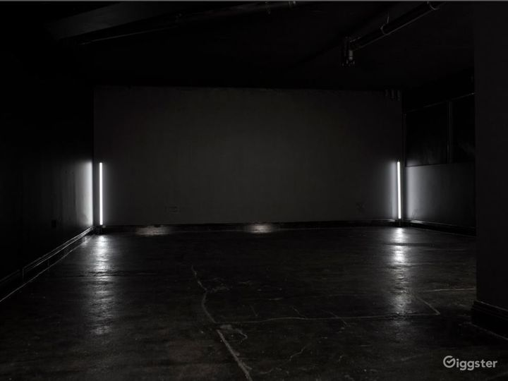Full Blackout Studio in Canary Wharf Photo 4