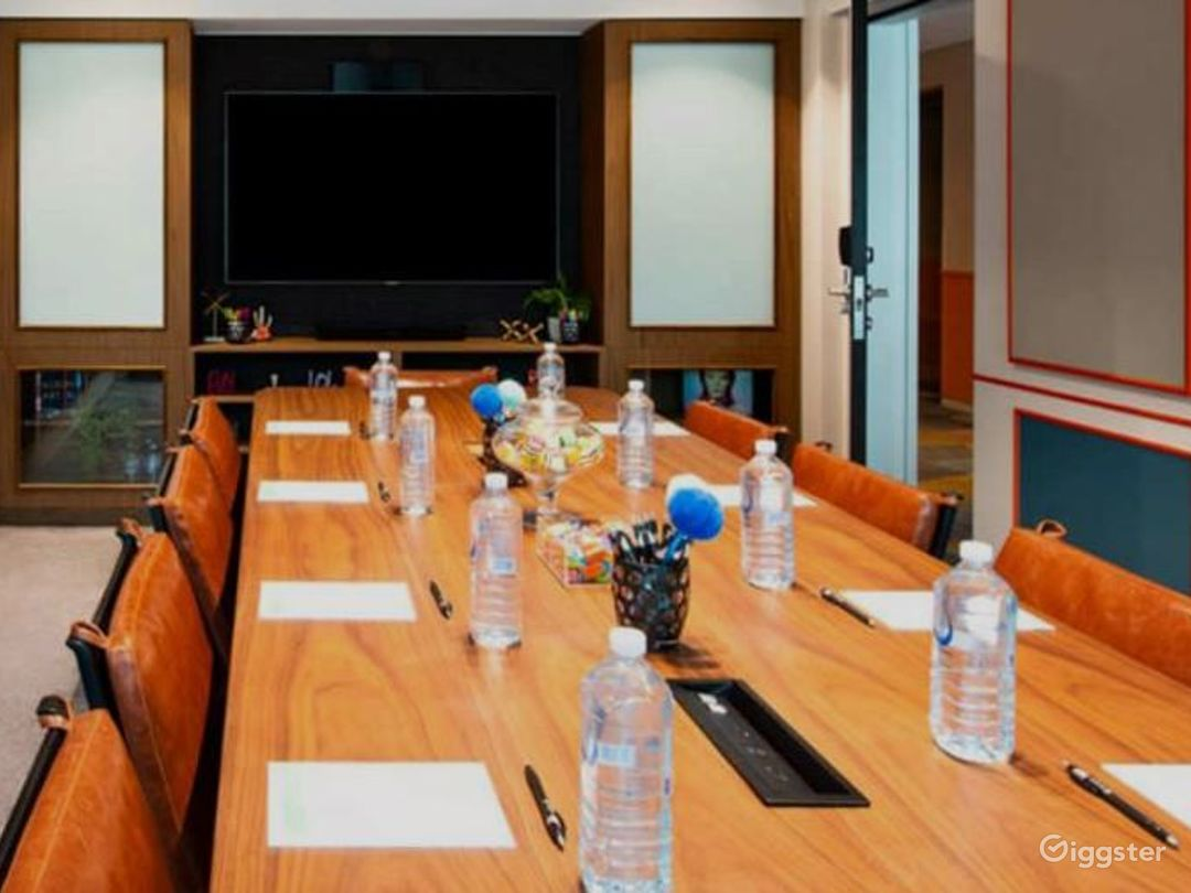 The B.I.G Boardroom for Offsite Meetings Photo 1