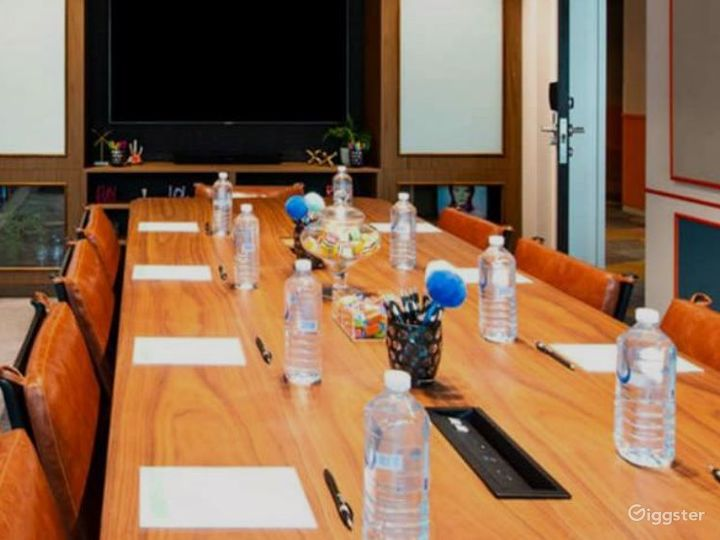 The B.I.G Boardroom for Offsite Meetings Photo 2