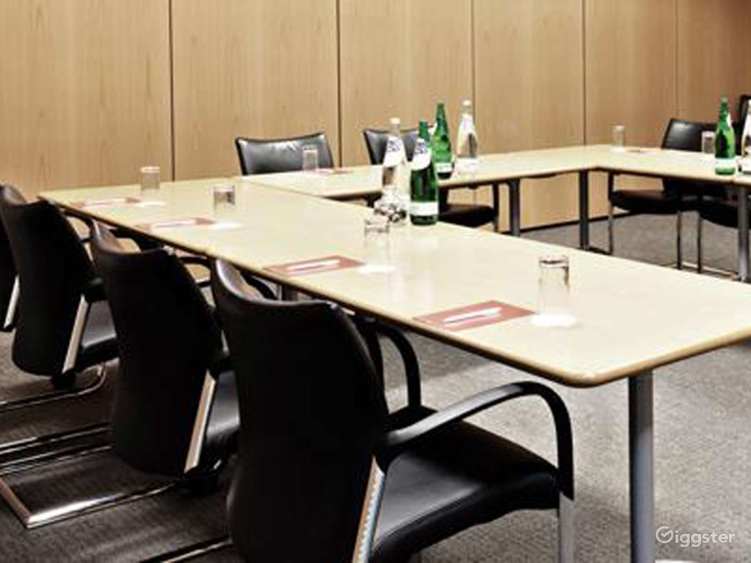 Functional Meeting Room in Reading Photo 1