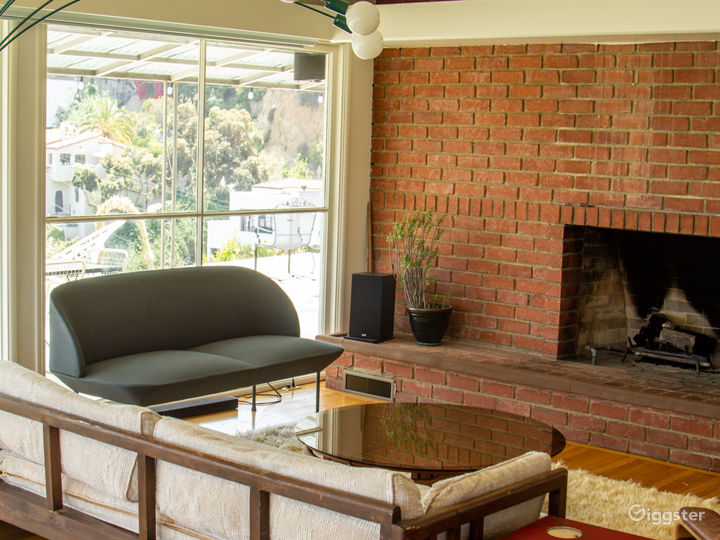 Mid-century Beauty in Beachwood Canyon with Views Photo 2