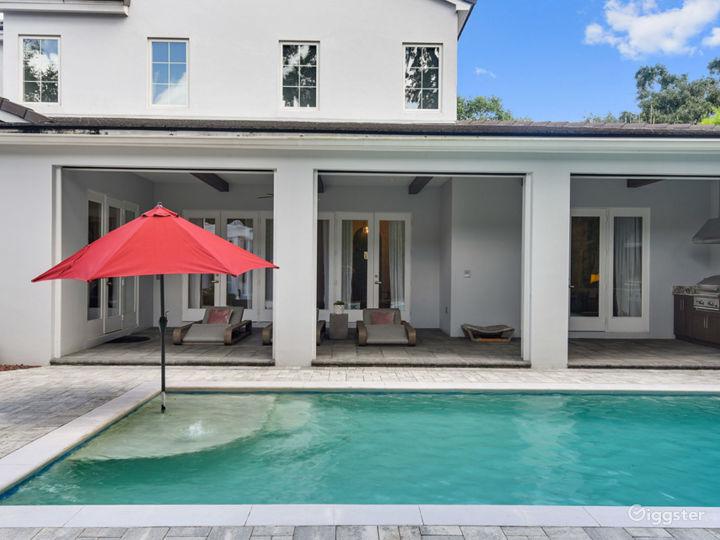 Stunning Modern Coastal Pool Home, Open Floor Plan Photo 4