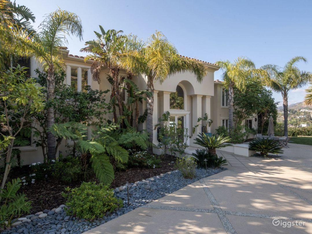 Exclusive Malibu Villa w/ Ocean Views & Amenities Photo 2