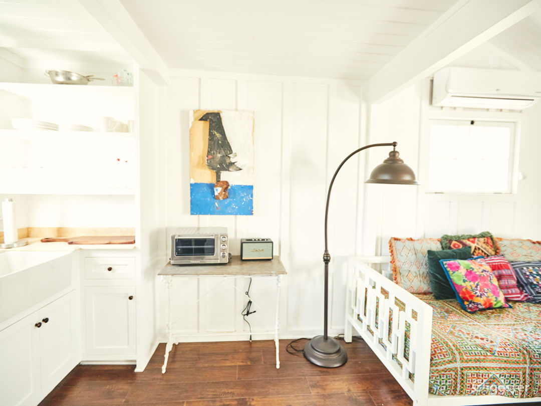 Topanga Compound | The Bungalow Photo 5