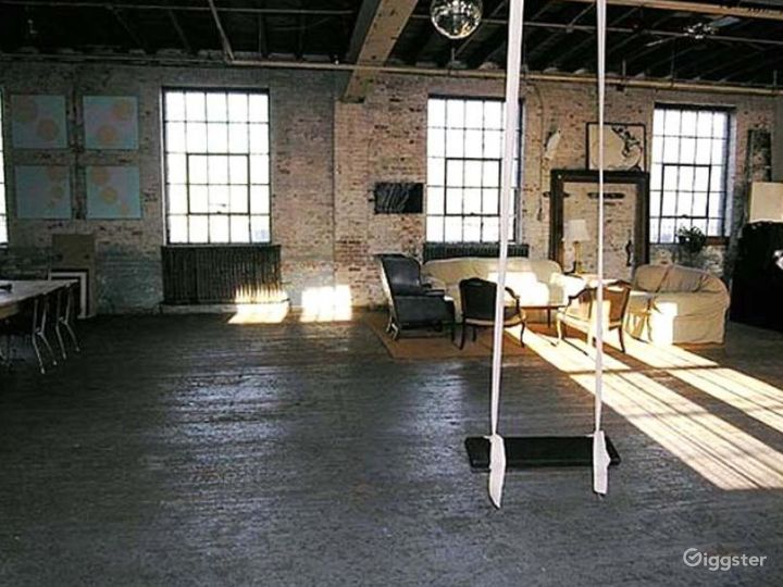Loft, warehouse: Location 4239 Photo 3