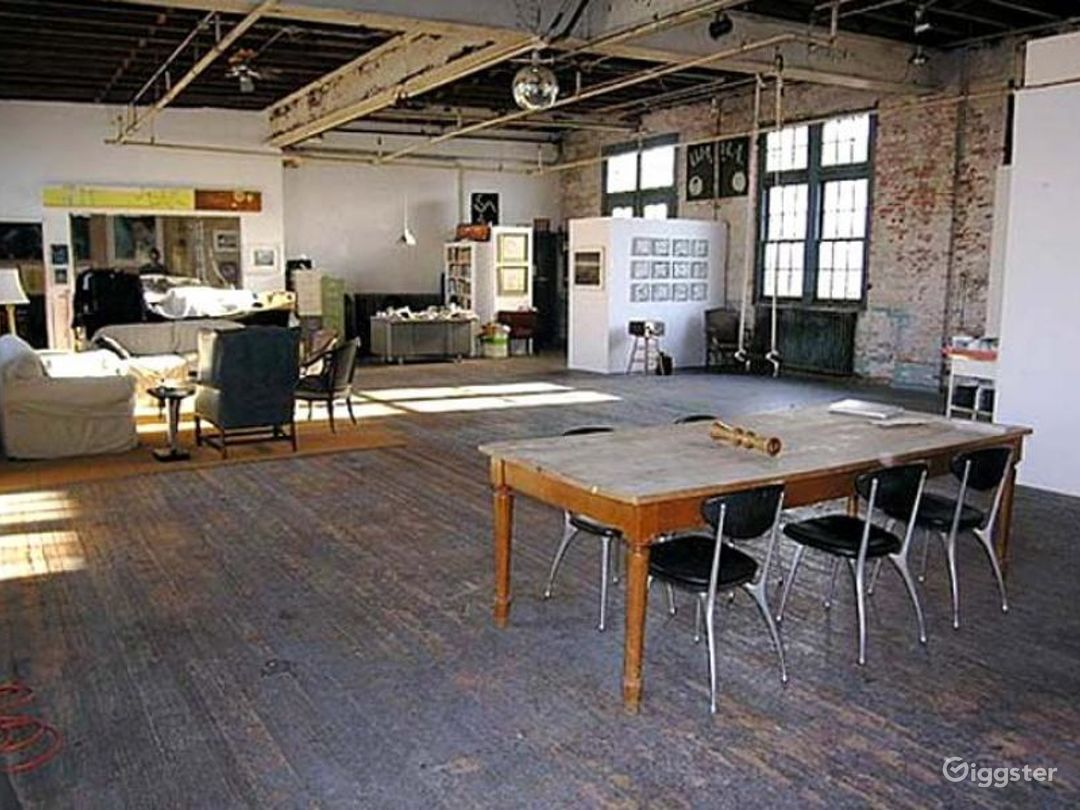 Loft, warehouse: Location 4239 Photo 1