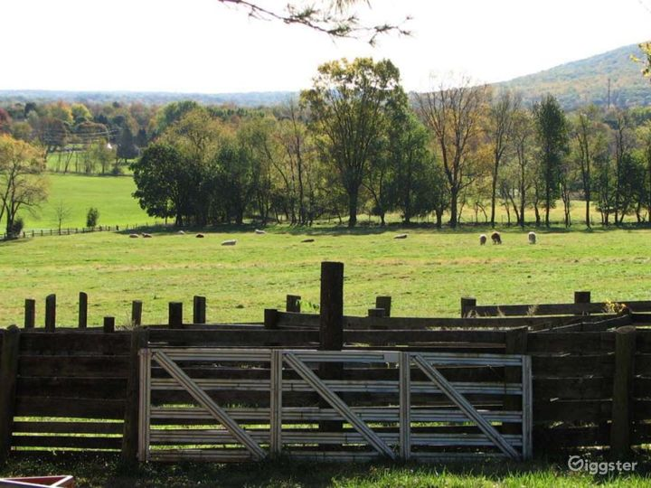 Working farm with outbuildings: Location 620 Photo 2