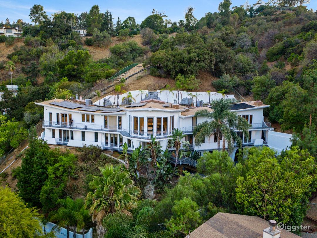 Mega Mansion in Hollywood  Photo 1